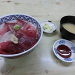 伊豆屋 - 日替わり三色丼700円