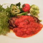 35999670 - ハンバーグの野菜トマト煮込みソース