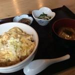 まるい食堂 - 「親子丼」500円