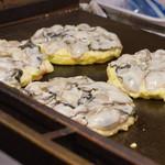 ひなせ - 2)牡蠣を敷き詰めて