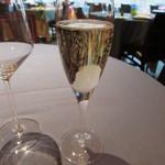 36004226 - グラスシャンパン