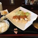 さくら - チキンカツ定食(タルタル)¥864