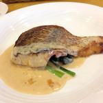 レストラン キヅカ - マダイのポアレ 1,240円 サラダ、スープ、パンorライス付き (2014年9月訪問)