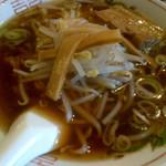 龍鳳園 - 醤油ラーメン