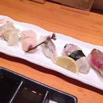 寿司処 海どう - おまかせ5貫♪       左から平目(えんがわ付)・帆立貝柱・鯛・牡蠣・〆鯖