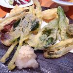 寿司処 海どう - 山菜と野菜の天麩羅盛合せ