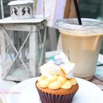 ON THE WAY, Cupcakes&Coffee Shop  - カップケーキとコーヒーと