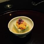 日本料理 太月 - 空豆ごま豆腐 生雲丹 花穂 割り出し汁 2015-3