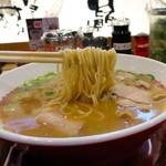 ラーメン横綱 - 麺リフト