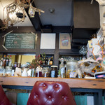 カフェ もわ - 落ち着いた雰囲気の店内