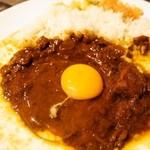 辛口飯屋 森元 - ビーフカレー&生たまご
