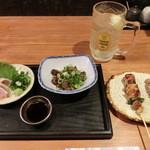 楽 - 980円セット(税抜き)。串2本、赤どりタタキ、一品、ハイボール(ビールも可)