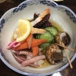 太郎寿司 - 酢の物、具だくさん、貝が嬉しい。