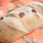 花パン - クランベリーとクリームチーズのパン¥160☆♪