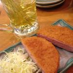 一軒め酒場 - ハムカツと緑茶割り