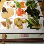 柿安 三尺三寸箸 - 料理ひと皿・一例(野菜、おばんざい等)