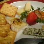 炭火焼鳥 徳川 - チーズ盛り合わせ