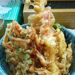 36064315 - 海鮮丼(ご飯半分) 800円 H27.4 海老・あなご・春菊・イカ・野菜かき揚げ・レンコン