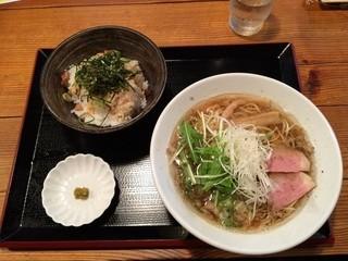 実咲庵 - 油かすラーメン+ラー油ごはん
