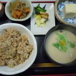 玄米ハウス ひろ作 - 2015年3月♪かす汁選択♪唯一飲めるかす汁♪玄米は おかわり出来ます♪