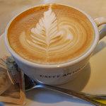 CAFFE ANTOLOGIA - カプチーノ2