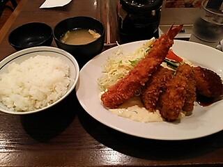 グリル欧風軒 - 「かきミックスフライ定食」です。