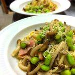 ブラッスリー ラ*フェスタ  - 枝豆、ベーコン、茸のオイルパスタ