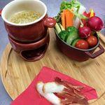 ブラッスリー ラ*フェスタ  - 彩り野菜のバーニャカウダ