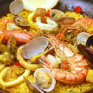 ホテルシェフが手掛ける、本格スペイン料理をご賞味あれ!