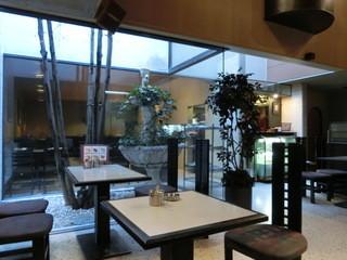 神戸珈琲館 - 吹き抜けがある。