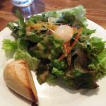 コモードキッチン - ランチセットのサラダとバゲット  250円