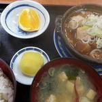 盛印盛岡青果食堂 - 牛すじ煮込み 500円