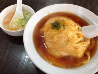 華香苑 新栄店 - 天津飯500円税込 スープ付き