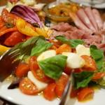 ピッツェリア ナポレターナ ラ・タヴォロッツァ - 前菜盛り合わせ