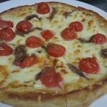 TANGO - アンチョビとプチトマトのピザ ¥1150