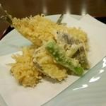 磯はる - 天ぷら(真鰯・茄子・さつま芋・シシトウ)