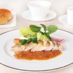 レストラン ラグラース - 2015春のおすすめ 三重県産若鶏のソテー