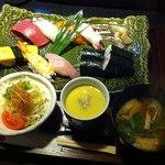 中宿来 - 握り盛合せランチ 税別1280円(税込1382円)2015.3.19撮影