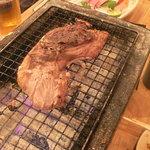 魚屋海老蔵 - まぐろのほほ肉2