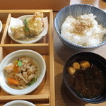 豆まる - 赤出汁・ちりめん山椒御飯