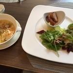 chuugokuryouritouri - 本日のスープとサラダ(セレクトランチ¥2,300)
