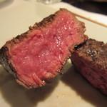 36107178 - 脂身の少ないとても口あたりが良く食べやすいお肉です、私は肩ロースよりこちらが好みでした。