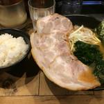 豚骨醤油ラーメン太善 -