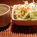 神宮苑 - セットのサラダとスープ 2015.3