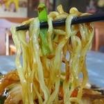 中華食酒処 さいらい亭 - 太い角打ち麺