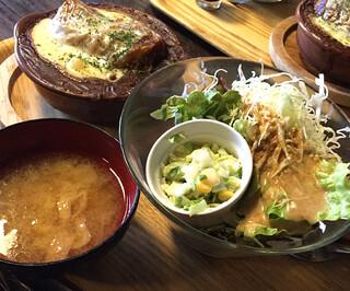 のうえんカフェ - ボリューム満点サラダが嬉しい