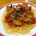 スパゲティ・ヴォーノ・ヴォーノ - あさりとトマトのパスタ