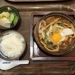 36126881 - 名古屋コーチン入り味噌煮込みうどん定食 1530円なり                       おお!美味しそうです~!土鍋からグツグツと音を立てた状態で提供される
