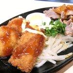 36128610 - A定食 650円 の豚ロース生姜焼、カニコロッケ、ポークかつ、ゆで卵、もやし