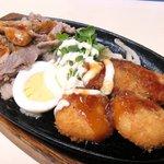 36128614 - A定食 650円 の豚ロース生姜焼、カニコロッケ、ポークかつ、ゆで卵、もやし